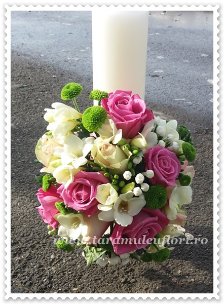 Lumanari de nunta scurte trandafiri roz,frezii albe.3332